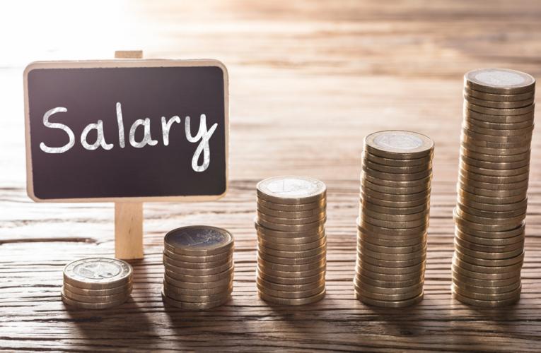 Novo salário mínimo no Reino Unido começa a valer em abril, é o maior em 15 anos