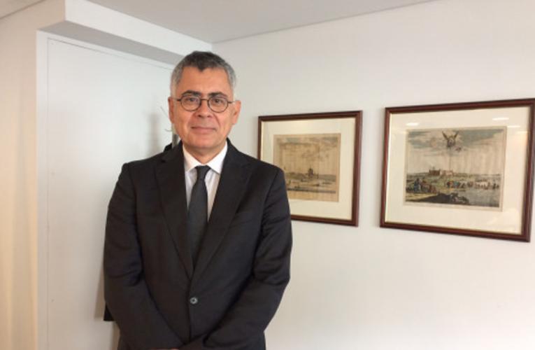 Novo Cônsul-Geral do Brasil em Londres promete diminuir espera por documentos