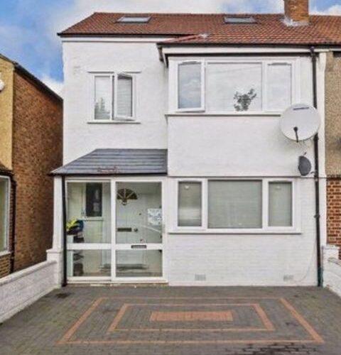 Família brasileira rifa casa de cinco quartos em Londres