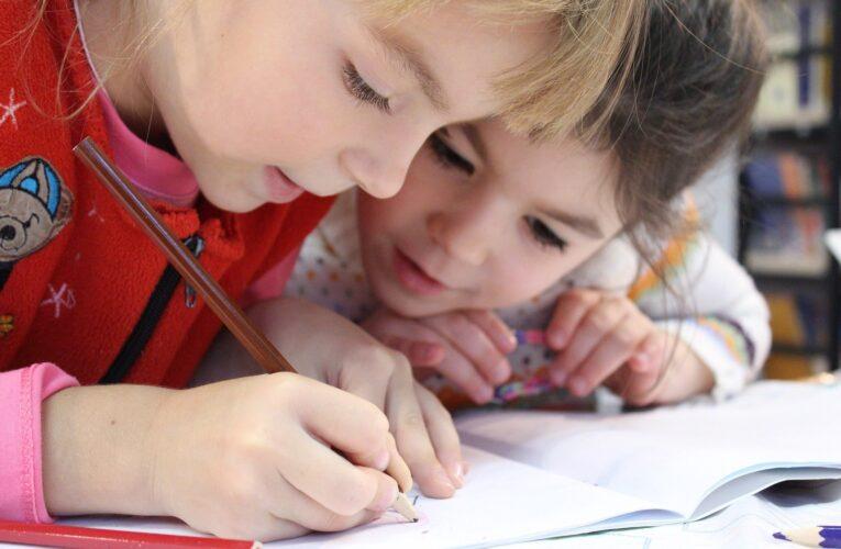 Melhor desempenho de crianças portuguesas na escola passa pela integração dos pais