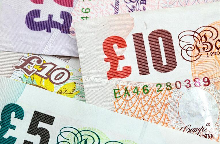 A economia do Reino Unido se recuperará à medida que avance o plano nacional de vacinação este ano, prevê o Banco da Inglaterra
