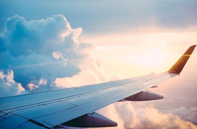 Grant Shapps espera obter luz verde para voos de férias após 17 de maio