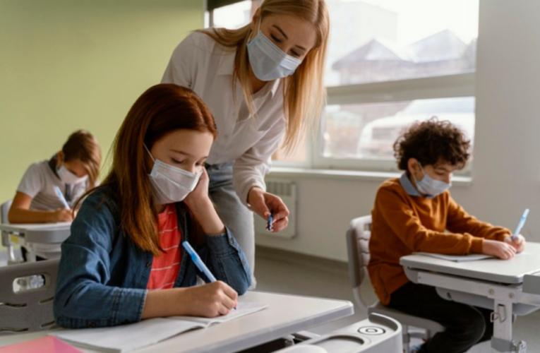Escolas e universidades agora são fontes de infecção da variante Delta