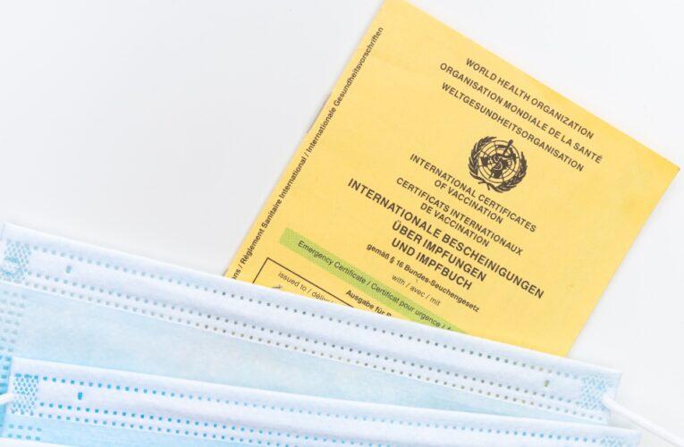 Milhares de pessoas sofrem com erros no chamado passaporte de vacinação