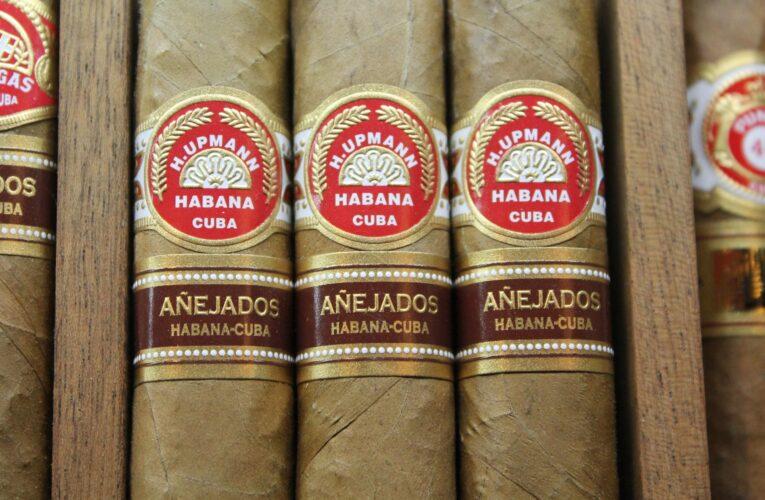 Charutos – Conheça o Cigar Lounge mais exclusivo do mundo e comandado por uma brasileira
